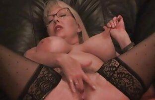 पतली लड़की मालिश कर रही सलमान सेक्सी मूवी है ।
