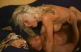 लड़के के लिए सेक्सी मूवी वीडियो में फैंसी वेश्या।