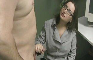 घर सेक्सी मूवी सेक्स वीडियो का बना सेक्स के एक युवा जोड़े.