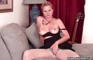 क्लब के कमरे में तीन सेक्सी फुल मूवी वीडियो में बार ।
