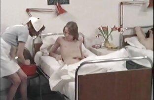 स्त्री रोग विशेषज्ञ के स्वागत में लड़की। सेक्सी पिक्चर एचडी मूवी