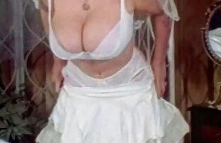 गधे में सेक्सी मूवी अमेरिकन एक बूढ़ी औरत।