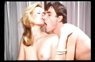 चुंबन और चाटना। इंग्लिश सेक्स मूवी सेक्स